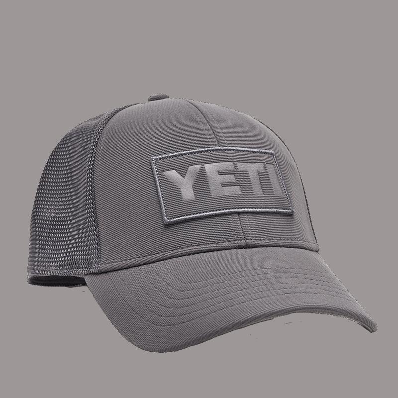 YETI Logo Badge Trucker Hat - grey