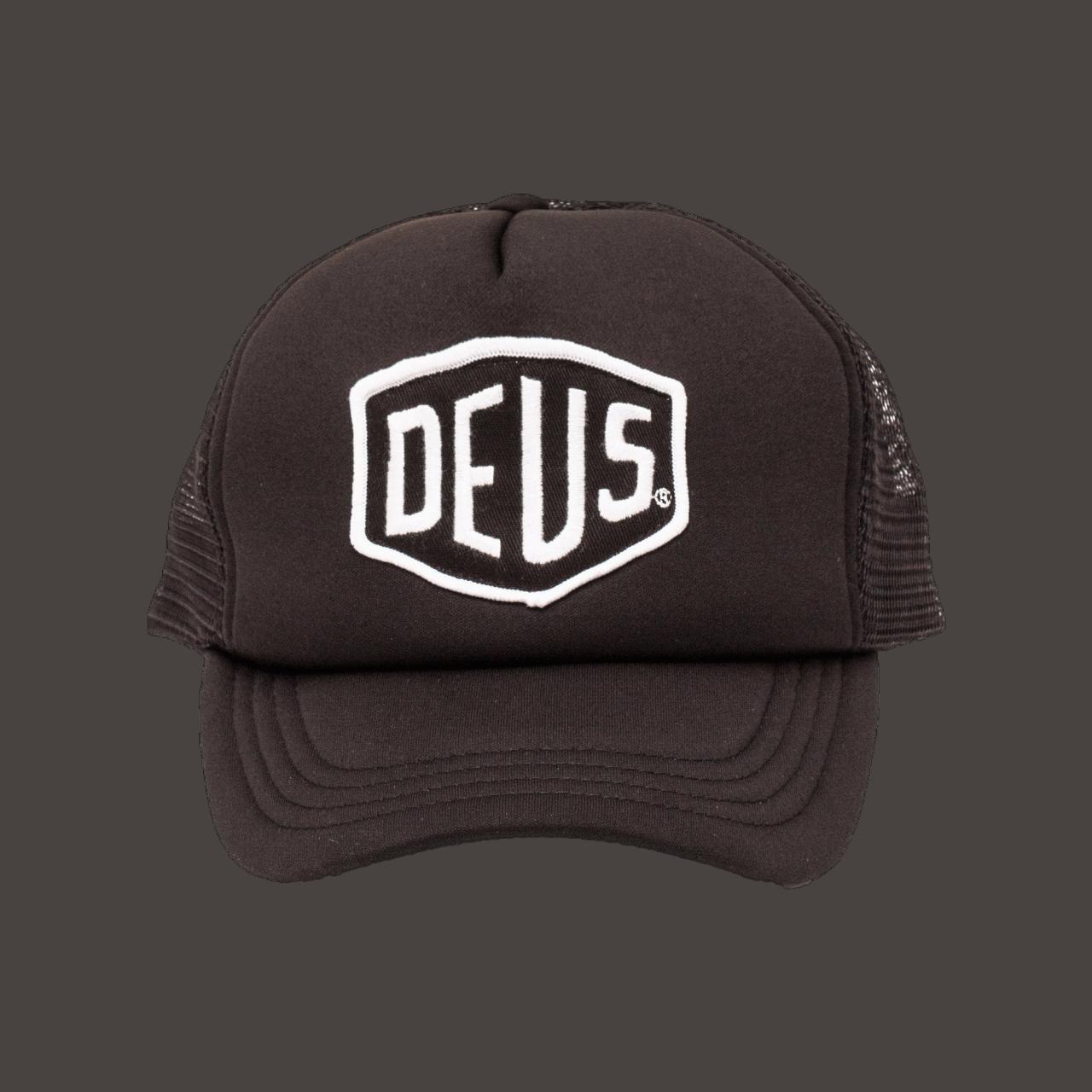 Deus Baylands Trucker Cap - black-white