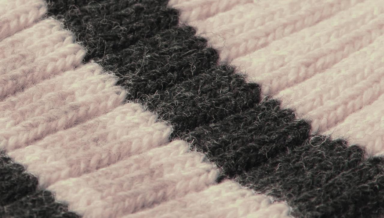 Merz b. Schwanen G.B. Socken - natur-charcoal